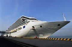 """青岛邮轮母港航线迎来最大邮轮""""赛琳娜号"""""""
