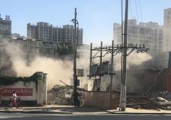 河北固安县:野蛮式拆迁 粉尘随意飘散污染严重